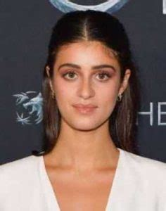 Anya Chalotra Bra Size, Age, Weight, Height, Measurements